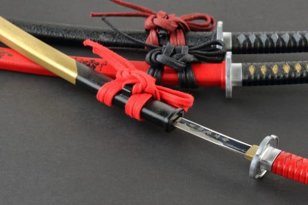 ※名刀ペーパーナイフ:土方歳三モデル、坂本龍馬モデル、織田信長モデルの3種類を開発した