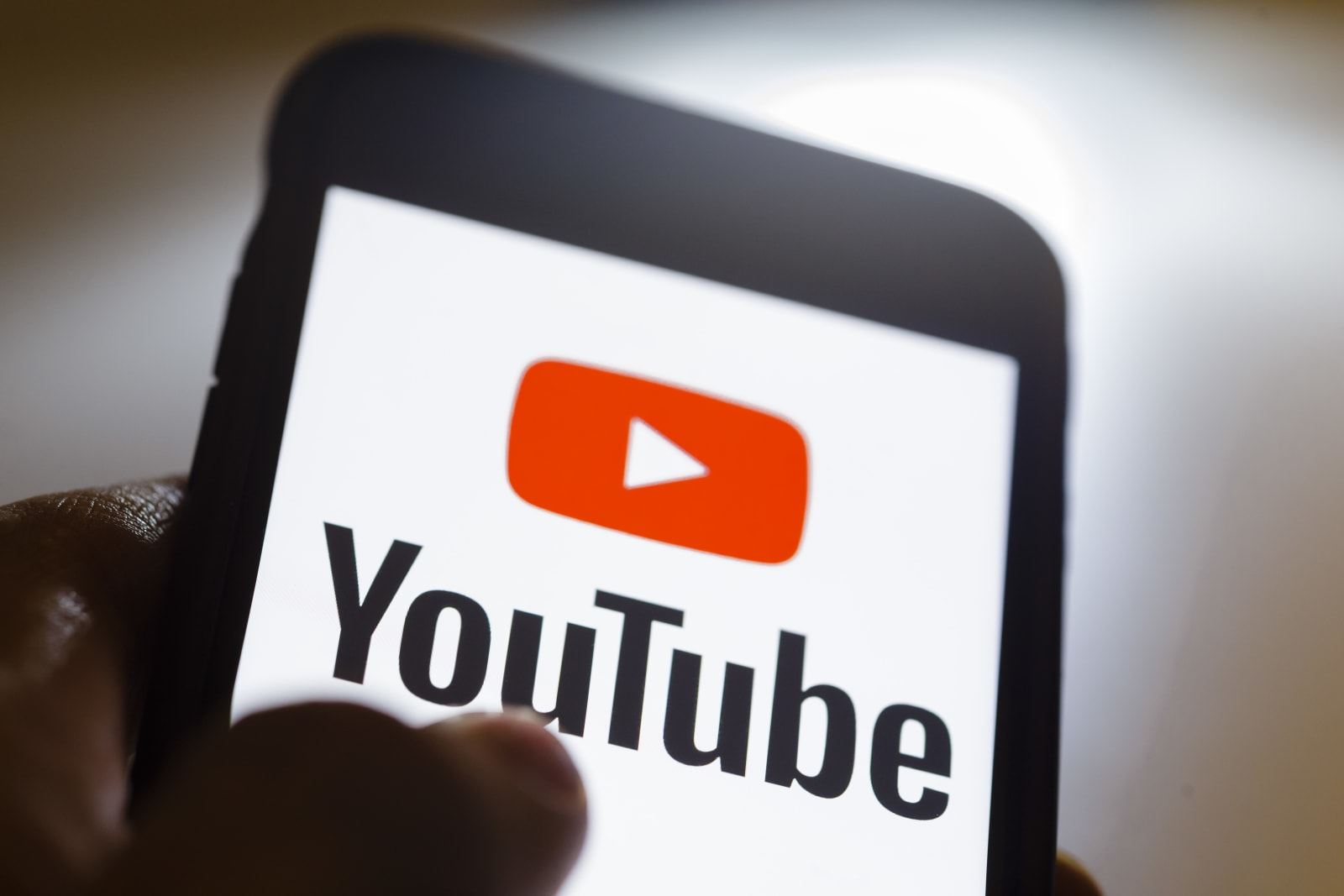 b3689e253fcf YouTube will experiment with ways to prevent dislike button  mobs
