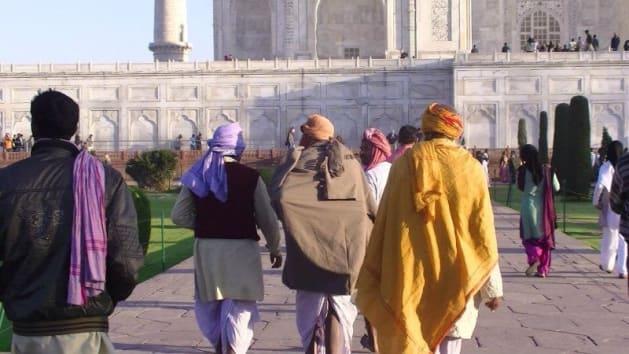 インドを代表する世界遺産タージ・マハルには、インド各地から現地人が集う