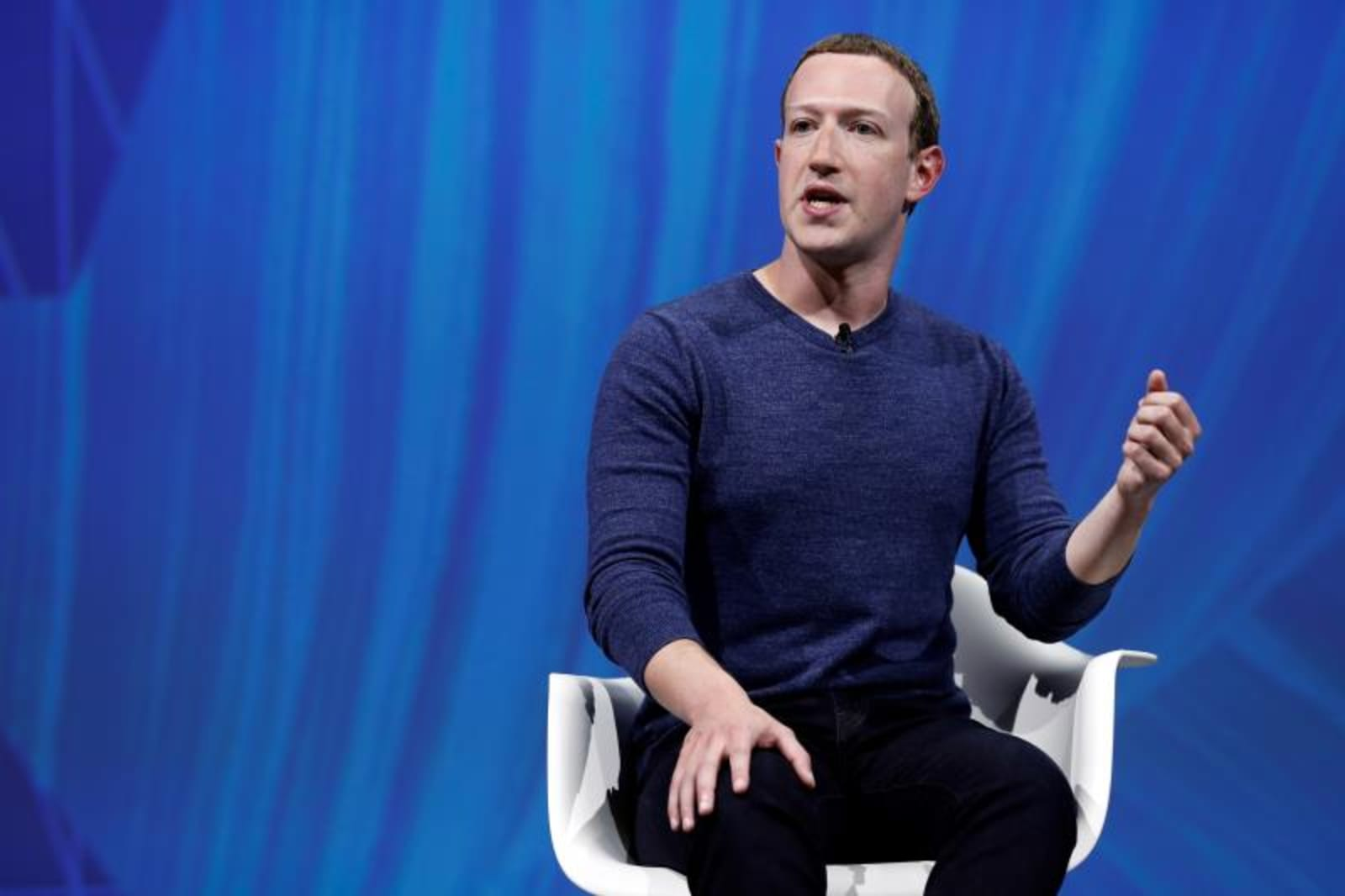 Zuckerberg quiere trabajar con Gobiernos para regular las redes sociales
