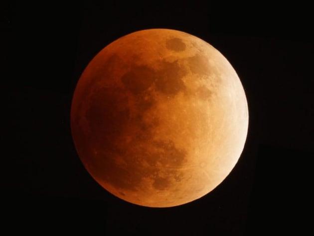 「スーパーブラッドムーン(Super Blood Moon)」