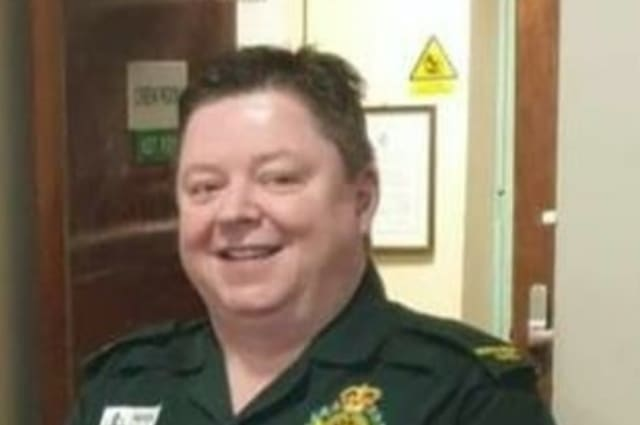 First paramedic in Wales dies with Covid-19