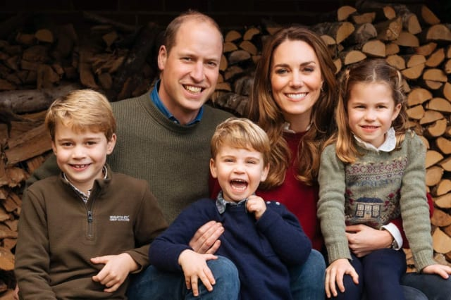 William and Kate release Christmas card image of family