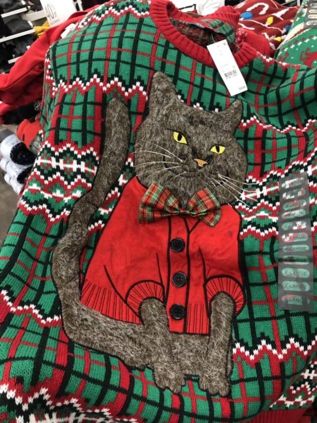 ロサンゼルスで奇跡的に見つかった我が家の猫としか思えないセーター。友人にお願いして迷わず購入。