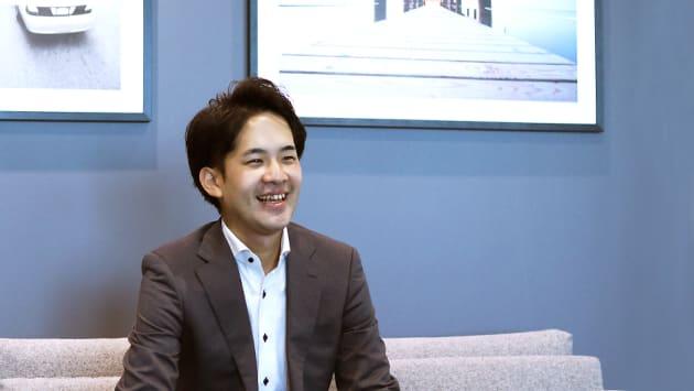 稲子谷 光 (28)2013年、クルーズへ新卒として入社。ソーシャルゲーム事業でのゲームプランナーを経て、翌14年にECプラットフォーム『SHOPLIST』事業へ参画。複数の新規事業立ち上げを行い、企画からサイト開発、広告運営、営業、物流、CSなど、通販運営におけるすべての工程に携わる。その後ECコンサルタントの部署では、責任者としてSHOPLIST出店ブランドへの提案営業やメンバー育成などを担当。2018年3月、CROOZ EC Partners株式会社の設立とともに、代表取締役に就任。