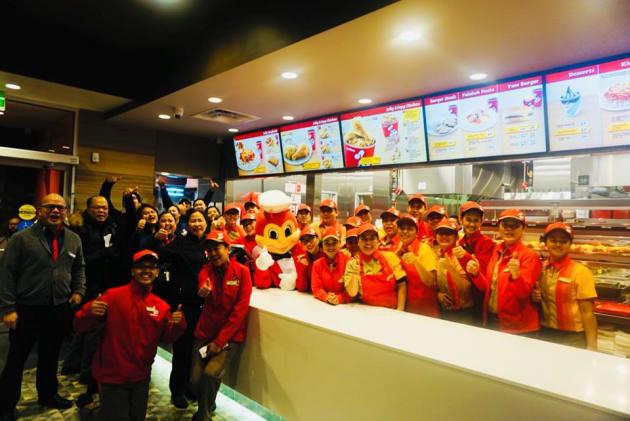 Jollibee, A Filipino Fast Food Chain, Makes Inroads In ...