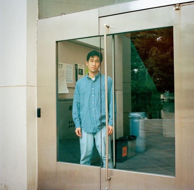 ラリー。2000年。