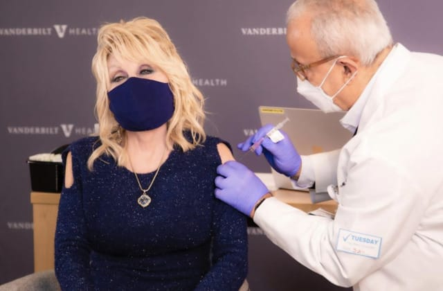 Dolly Parton debuted the 'perfect vaccination shirt'
