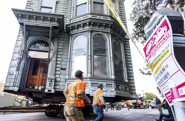 Victorian house rolls to new San Francisco address