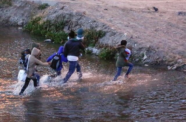 Nearly 100,000 migrants detained at border in Feb.