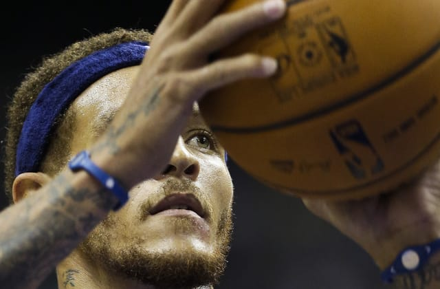 Delonte West now working at rehab center where he received treatment