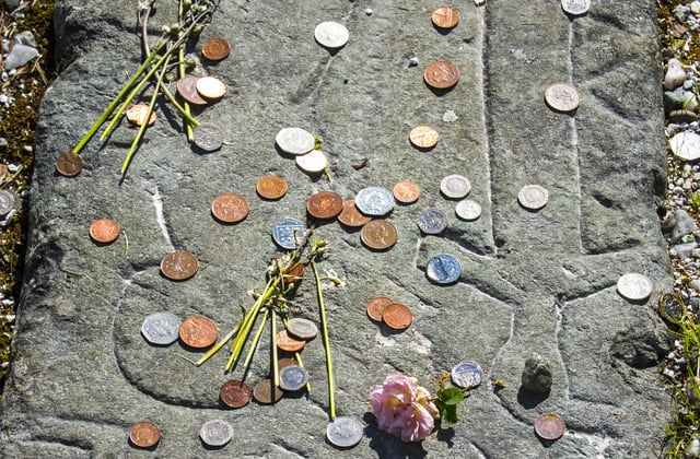 People who spot coins on graves need to know this