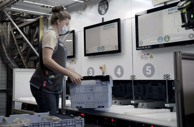 Walmart to launch local fulfillment with grocery-picking robots