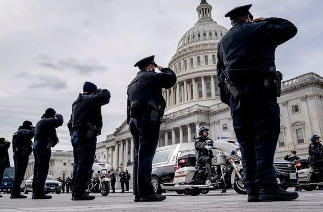 Report: FBI pinpoints suspect in death of Capitol policeman