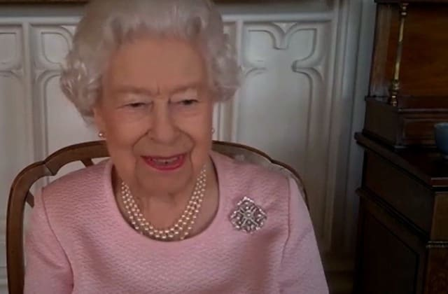 Queen cracks jokes as she unveils first statue virtually