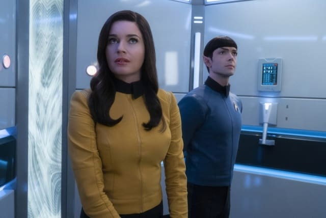 """Q&A"" -- Episode SF #007 -- Pictured (l-r): Ethan Peck as Spock; Rebecca Romijn as Number One; of the the CBS All Access series STAR TREK: SHORT TREKS."
