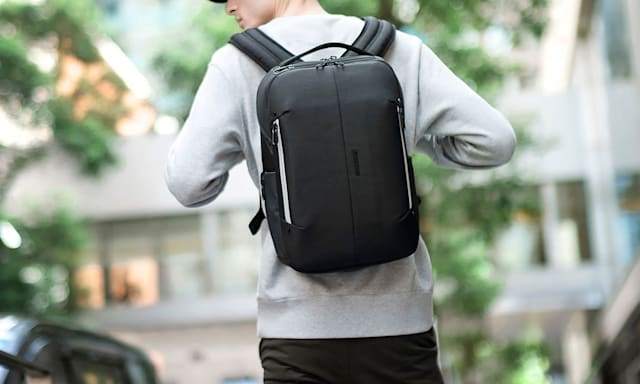 Holiday Gift Guide: Google x Samsonite Konnect-i Smart Backpack