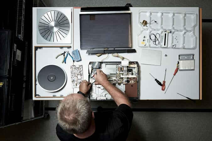 Restoration work on Bang & Olufsen's Beogram 4000c Recreated Limited Edition