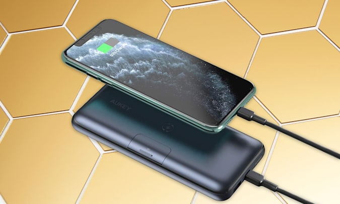 Holiday Gift Guide: Aukey USB C Power Bank Wireless Portable Charger