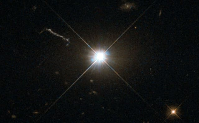 NASA's Hubble Gets the Best Image of Bright Quasar 3C 273