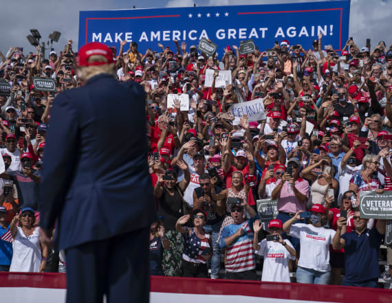 Trump supporters overcome by heat, taken to hospital