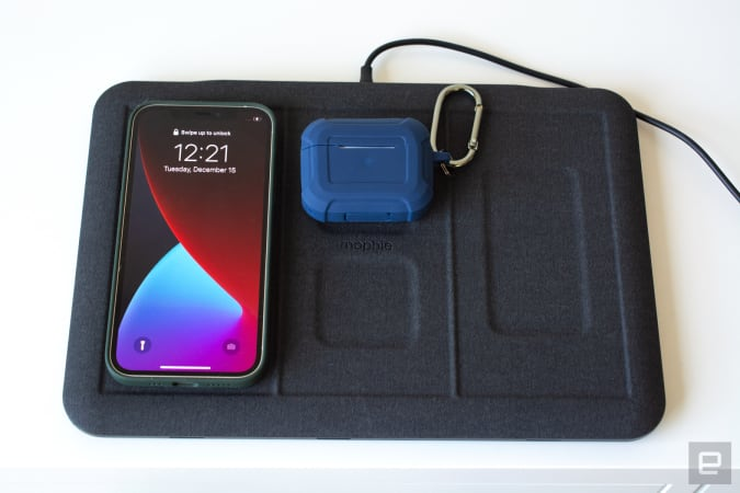 Mophie 4-in-1 charging mat