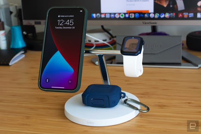 Belkin Boost Charge Pro MagSafe stand