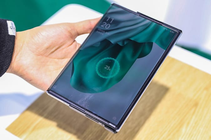 Oppo Wireless Air Charging demo at MWC Shanghai 2021.