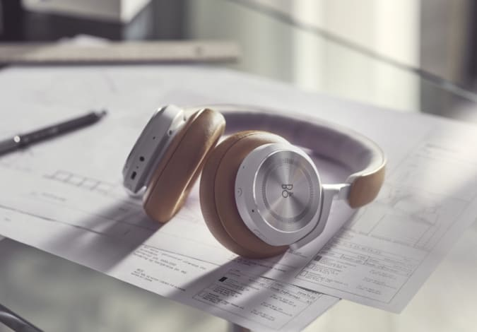 Bang & Olufsen Beoplay HX