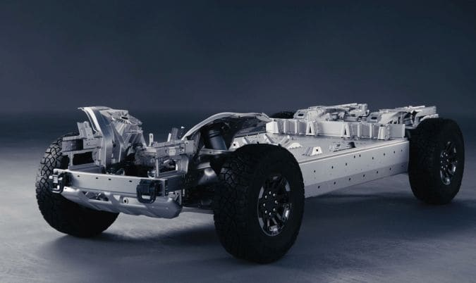The Ultium platform is the foundation of GM's electric vehicle strategy, including batteries, modules, and battery packs, as well as drives that include electric motors and integrated power electronics. It is the foundation of GM's EV architecture and is developed using a set of common components to provide energy for almost all sections of the road.Some vehicles manufactured through this platform will provide battery energy storage options of 50 to 200 kWh or more, and the driving range can be up to 450 miles after being fully charged.[1].
