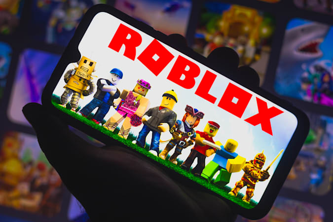 BRAZIL - 2021/03/30: In this photo illustration Roblox logo seen displayed on a smartphone. Roblox is a multiplayer online game and video game creation system. (Photo Illustration by Rafael Henrique/SOPA Images/LightRocket via Getty Images)