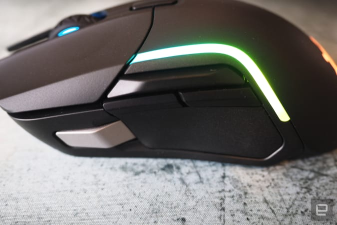 Side of Rival 5, with five buttons