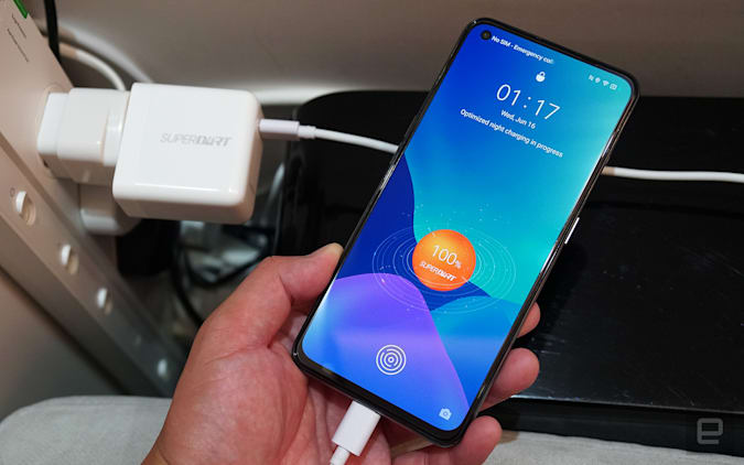 Realme GT is the cheapest Snapdragon 888 smartphone (currently)