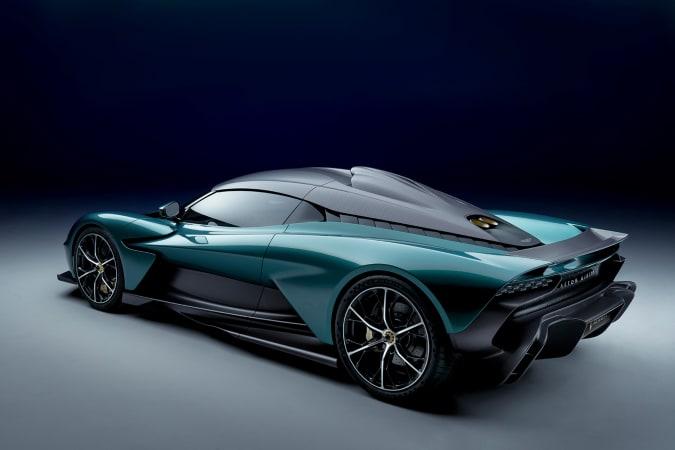 Aston Martin Valhalla vista traseira