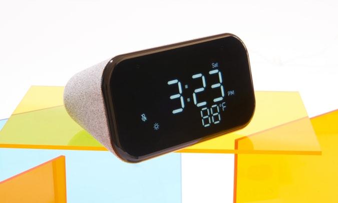 Lenovo Smart Clock Essential for Engadget's 2021 Back to School guide.