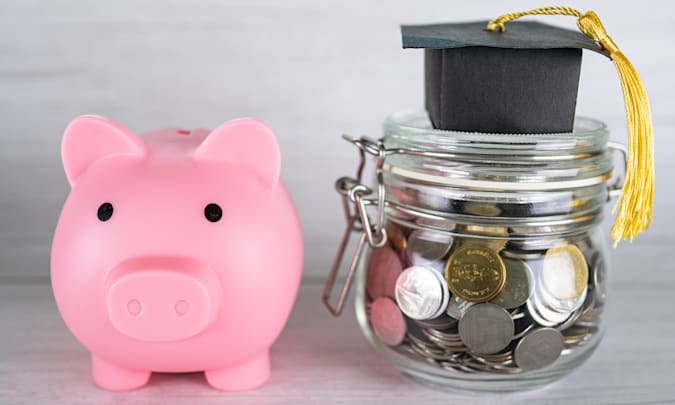 Student discounts image with piggy bank for the Stock Market Pioneer 2021 Back to School guide.