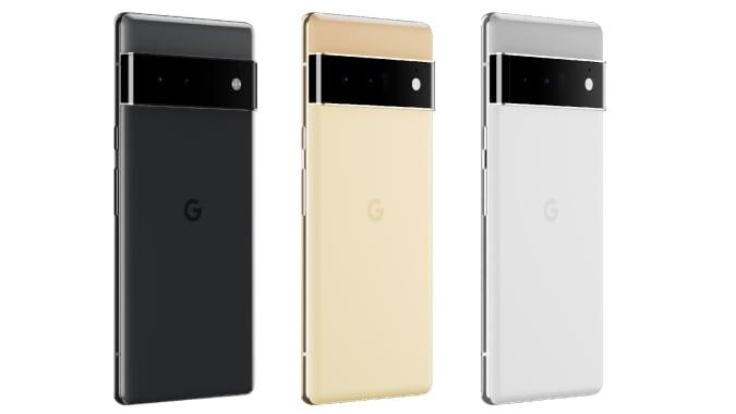 Um trio de Pixel 6 Pros.  Da esquerda para a direita, seus esquemas de cores são: Preto / preto, Dourado / amarelo e Cinza / prata.
