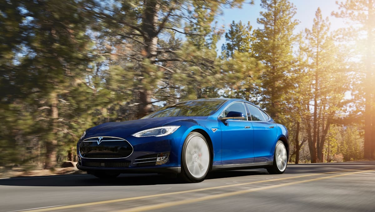 Self Driving Tesla Model S Is A Theater On Four Wheels Ny