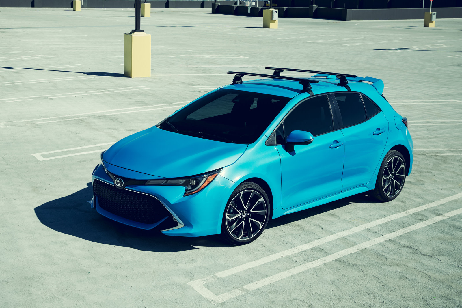 toyota 39 s 2019 corolla hatchback supports both alexa and carplay. Black Bedroom Furniture Sets. Home Design Ideas