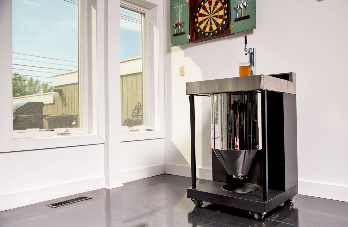 Whirlpool\'s Vessi is a homebrew fermenter that pours a pint