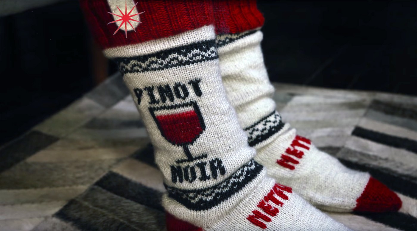 These diy netflix socks pause your show when you fall asleep - Diy shows on netflix ...