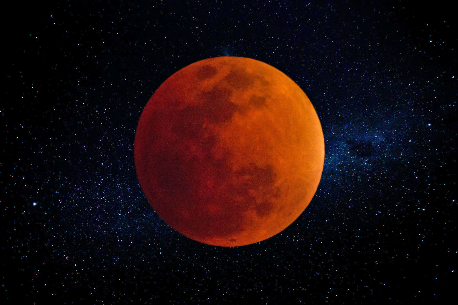 red moon 2019 live stream - photo #8