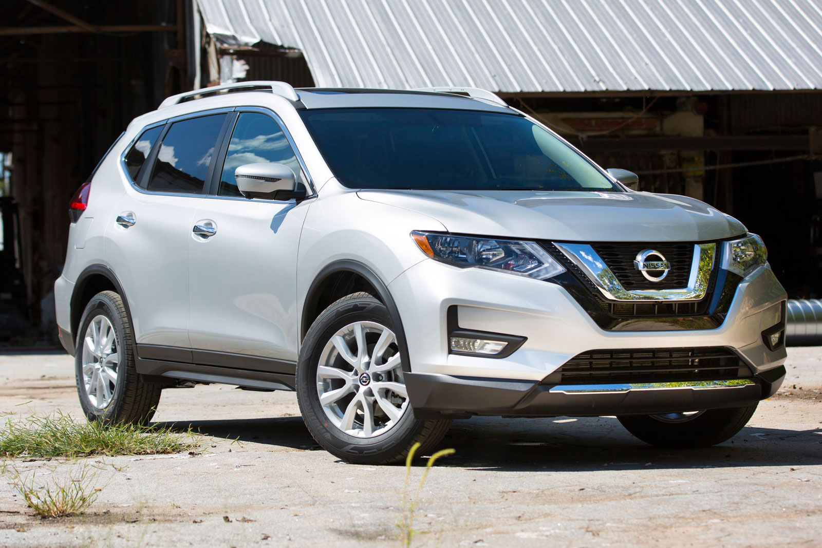 Nissan\'s Rogue is its first US car with semi-autonomous driving