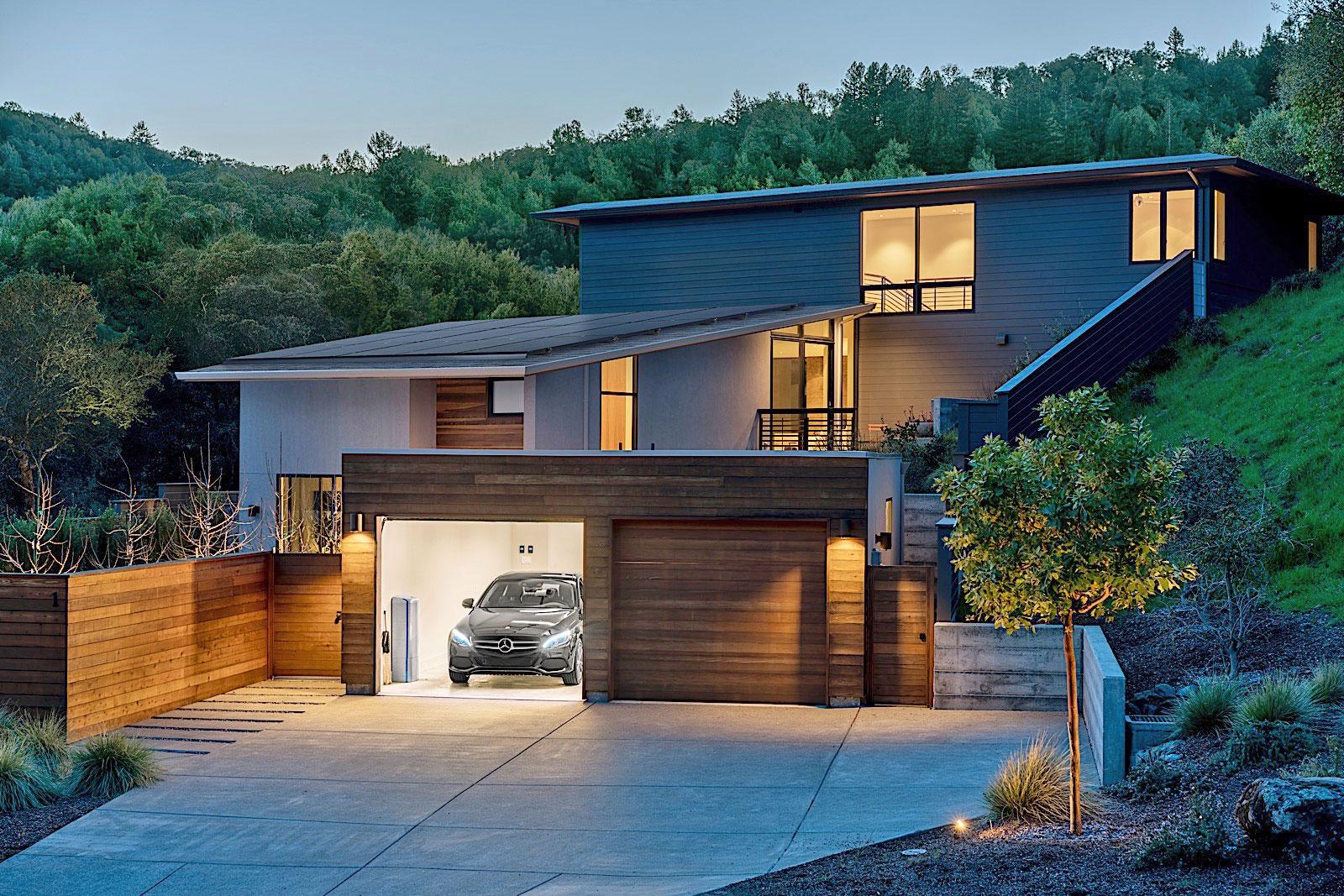 Vivint solar reviews california - Mercedes