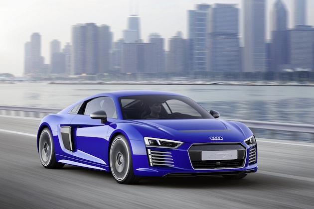 Audis R Etron Electric Supercar Can Now Drive Itself - Audi r8 etron