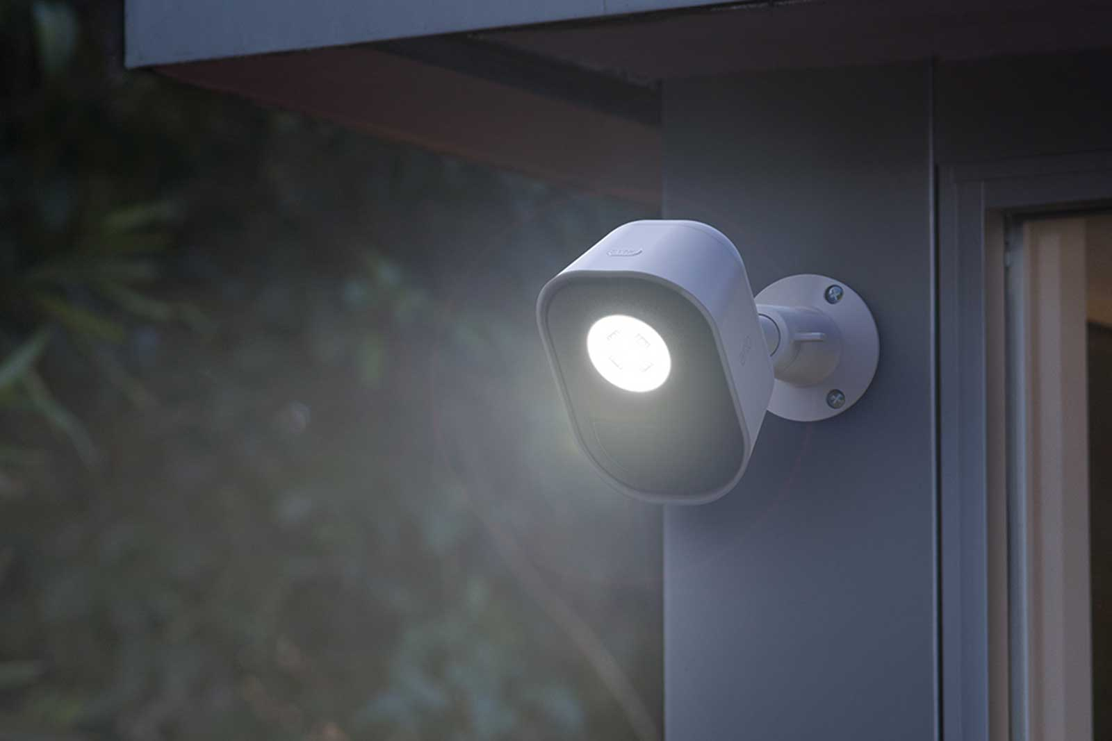 Arlo S Smart Security Light Helps Ward Off Nighttime Intruders