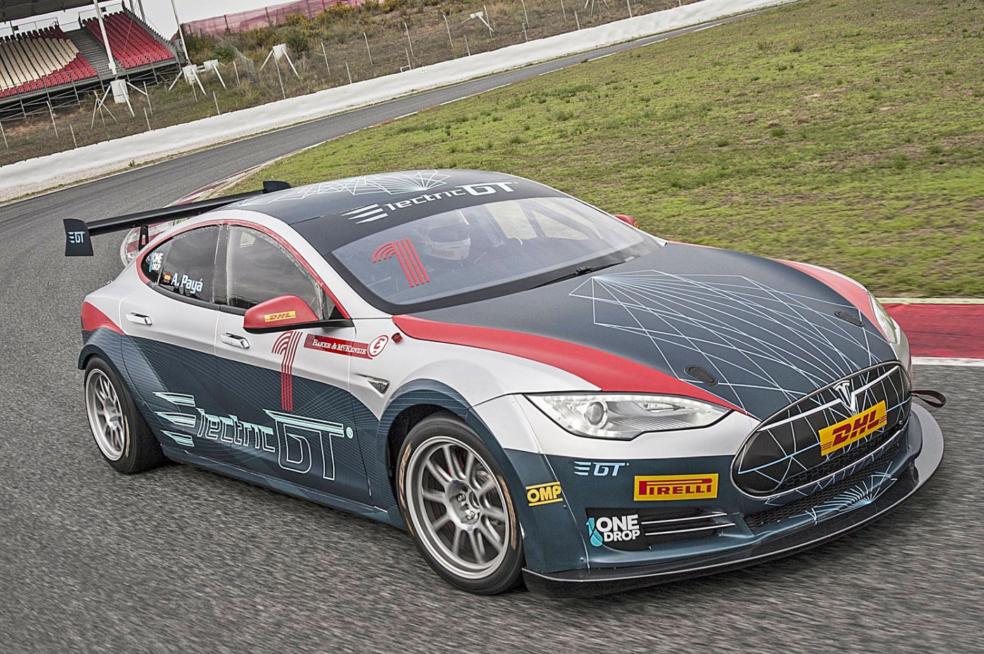 electric gt 39 s first race spec tesla model s hits the track. Black Bedroom Furniture Sets. Home Design Ideas