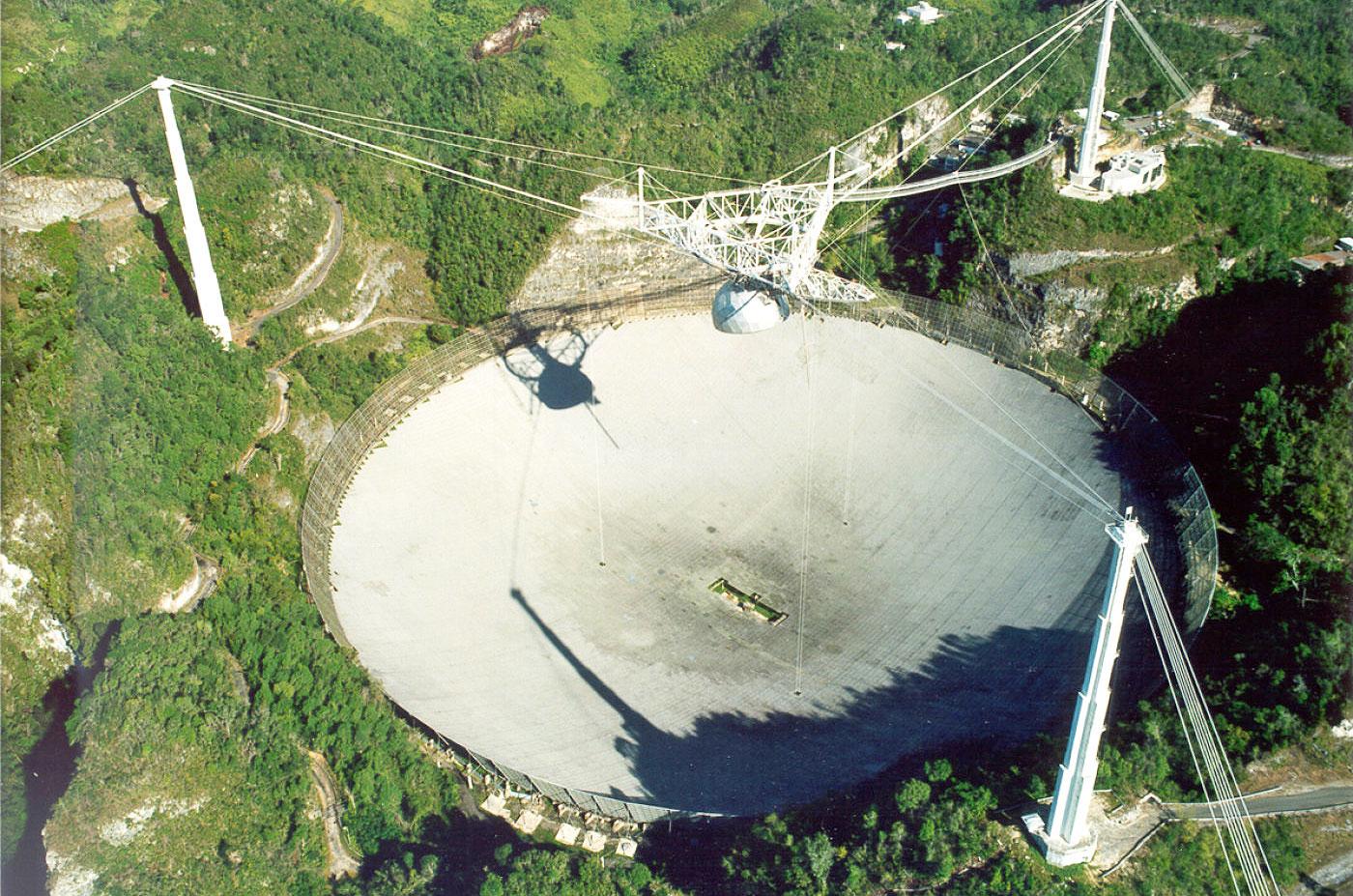 The Arecibo radio telescope is in trouble again