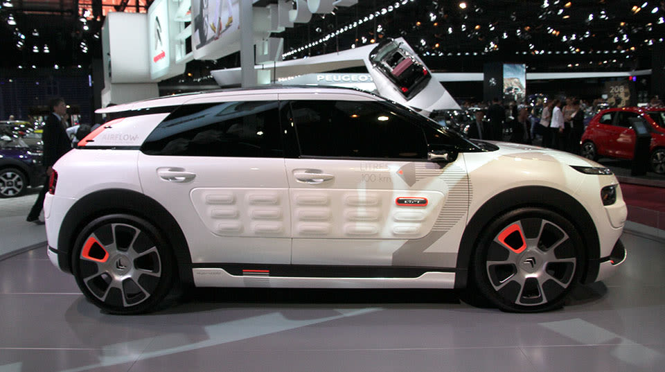 citroen 39 s hybrid concept car gets 115 mpg from thin air hands on. Black Bedroom Furniture Sets. Home Design Ideas