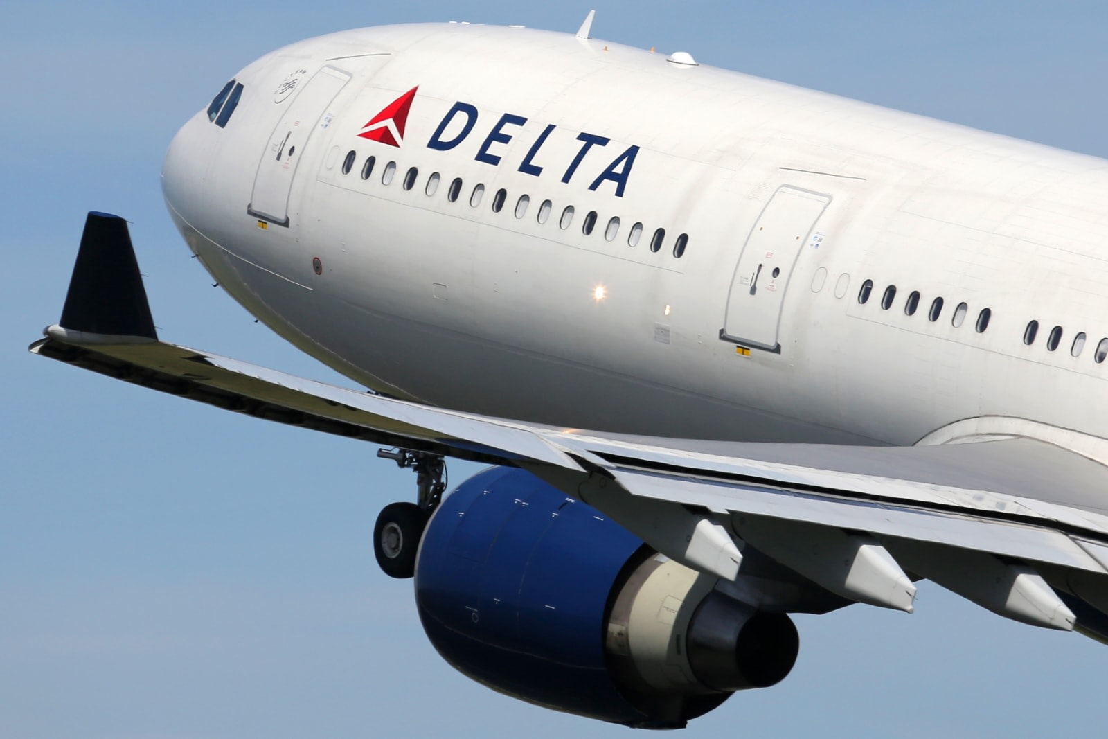 Delta adds free messaging to its WiFi-enabled flights